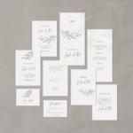 Hochzeitseinladung Set von Teresa Casamonti . Schlichtes, und florales Papeterie Design von JULISA