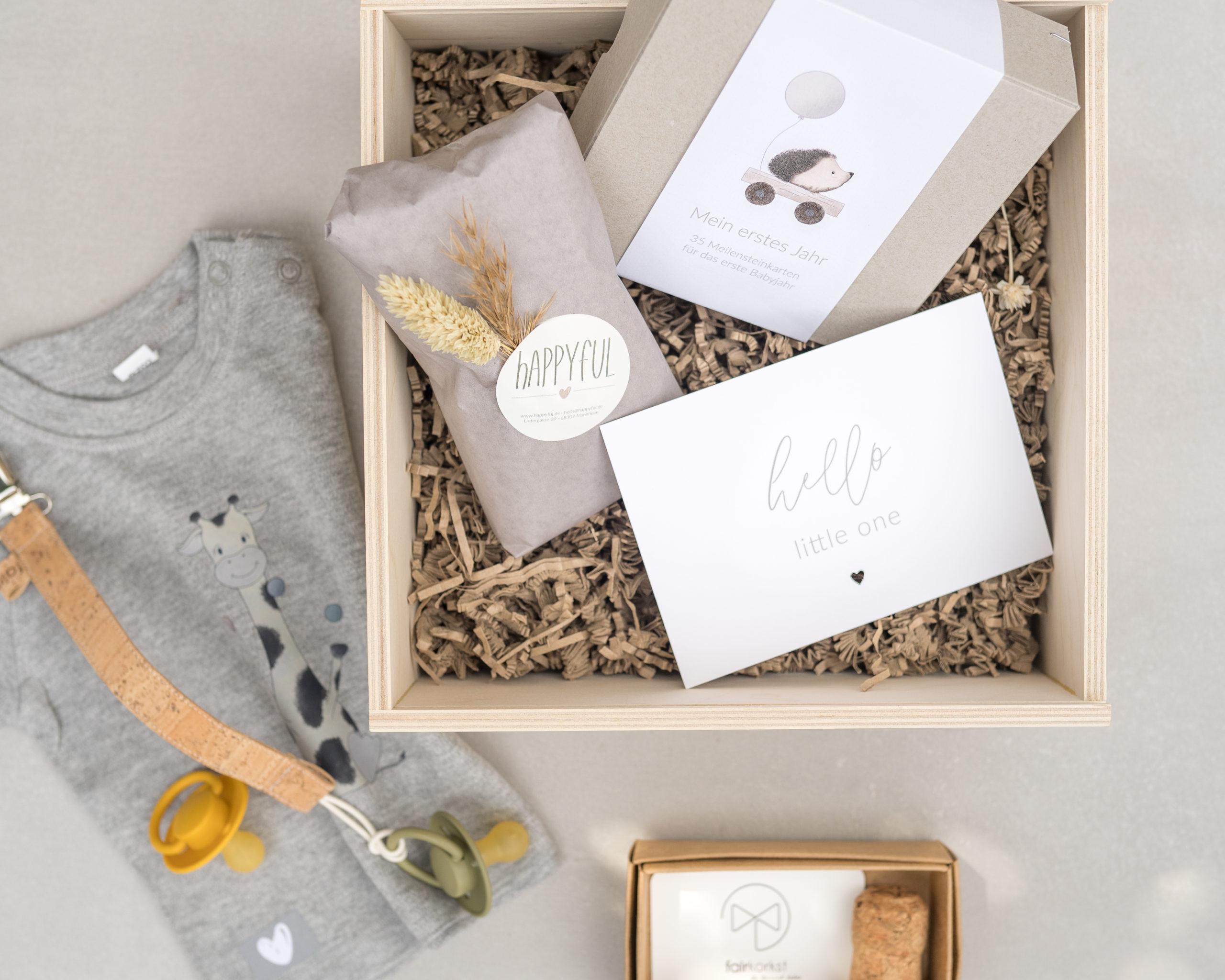 Geschenke zur Geburt - Hooray a Baby Geschenkbox   hey-julisa.com
