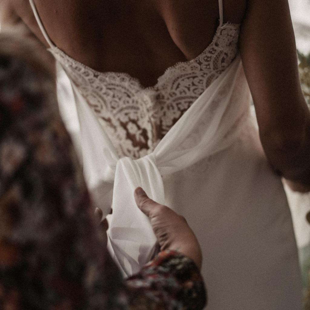 Brautkleid Anprobe - Der Weg zu Eurem individuellen Brautkleid   hey-julisa.com